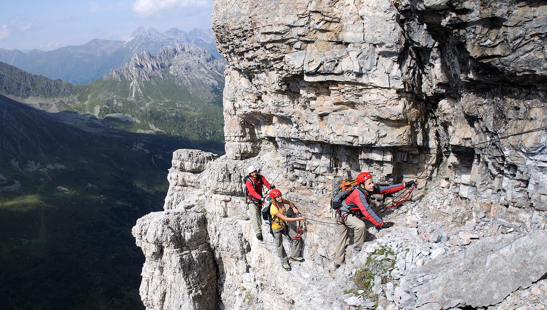 Auch Familien können am Klettersteig Ilmspitze klettern