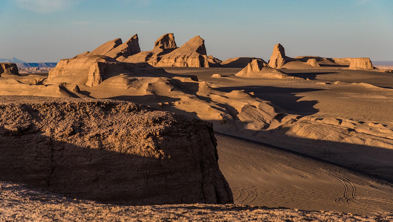 Die 166.000 km² große Lut-Wüste im Iran