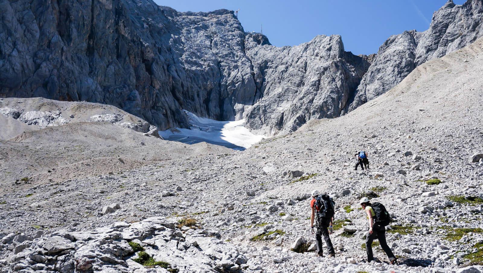 Auf dem Weg zum Gipfel von Deutschlands höchsten Berg