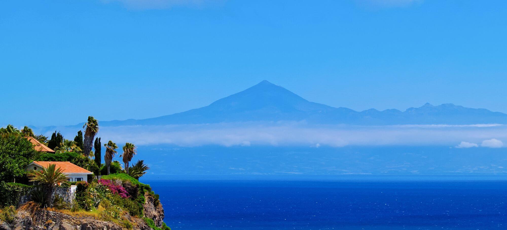 Wandern auf La Gomera mit Blick auf Teneriffa