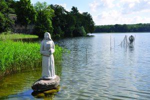 Nonnenstatue am Havel